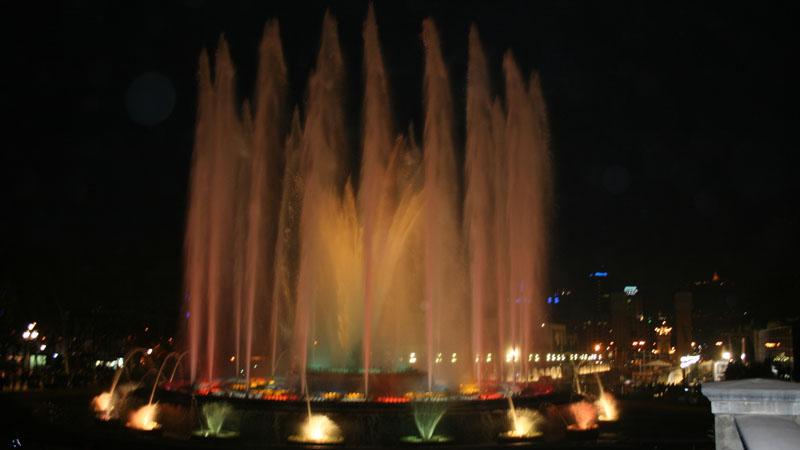 Барселона. Поющие фонтаны