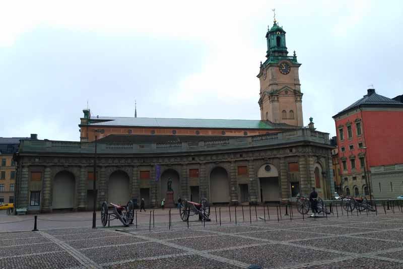 Кафедральный собор Storkyrkan и дворец