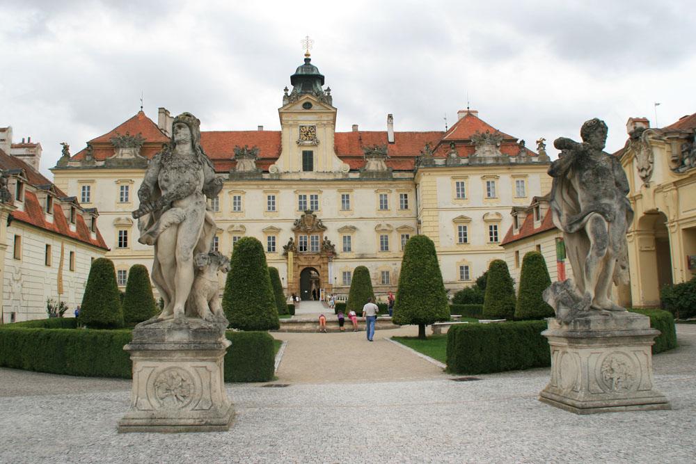 Замок Микулов