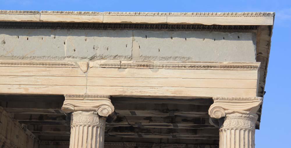 Ионические колонны Эрехтейона