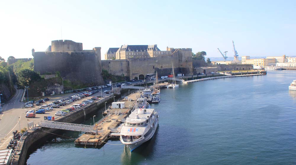 Вид на Брестский замок