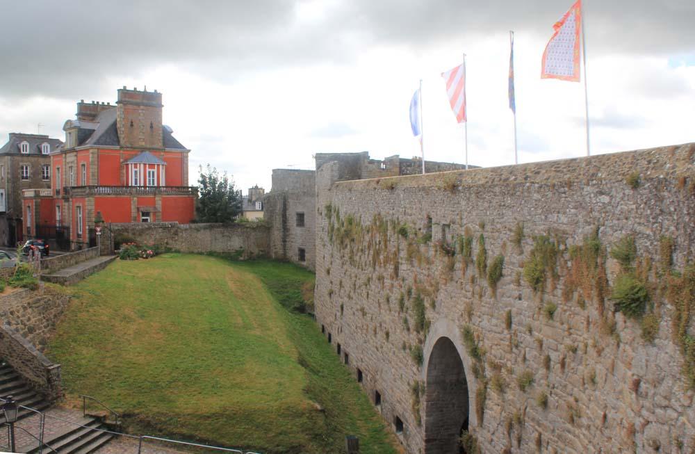 Замок Динана