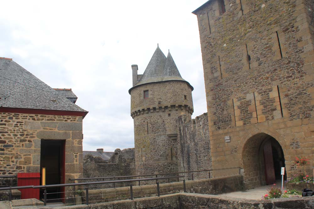 Замок Фужера