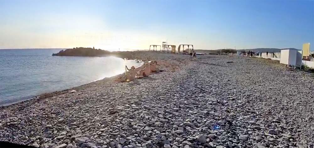 Мыс Тонкий. Пляж