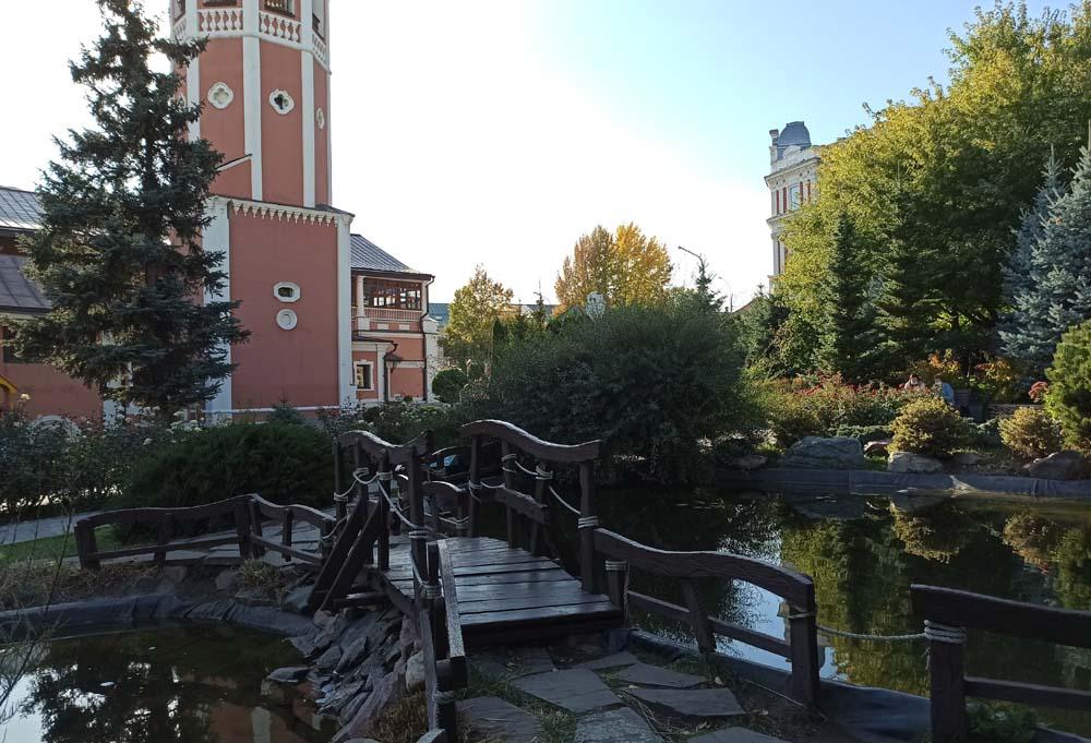 Сквер Троицкого собора