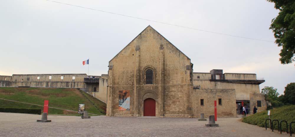 Церковь Сен-Жорж дю Шато