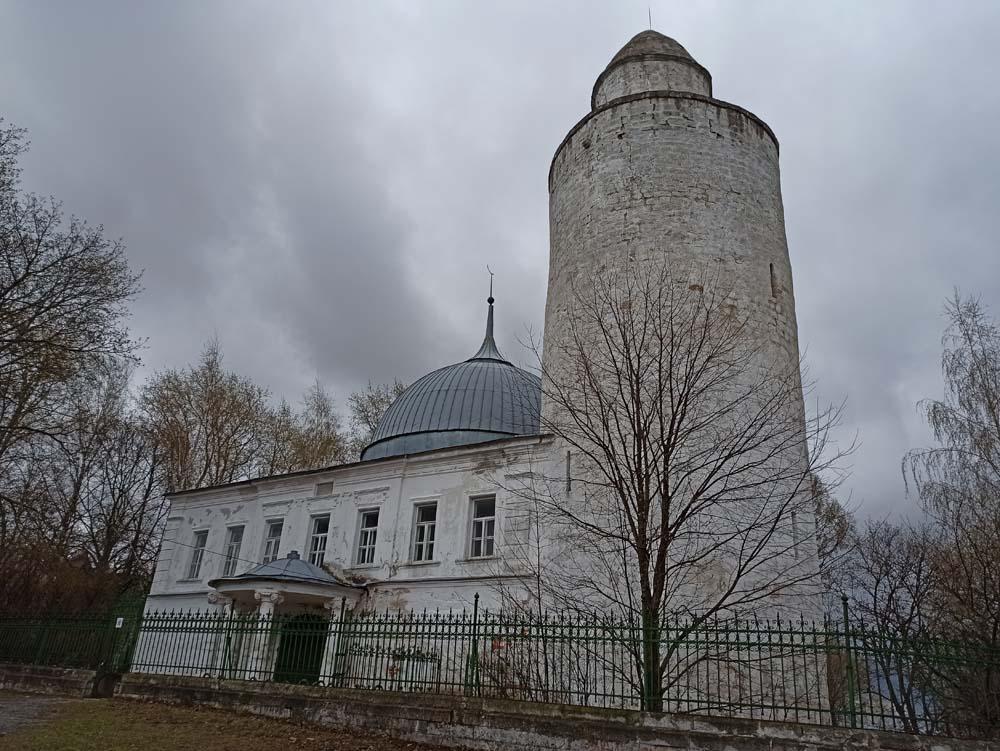 Мечеть с минаретом