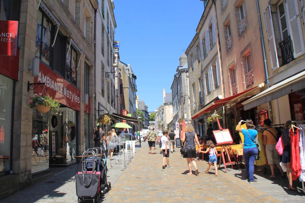 Rue Elle Freron