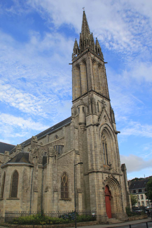L'église Saint-Mathieu.