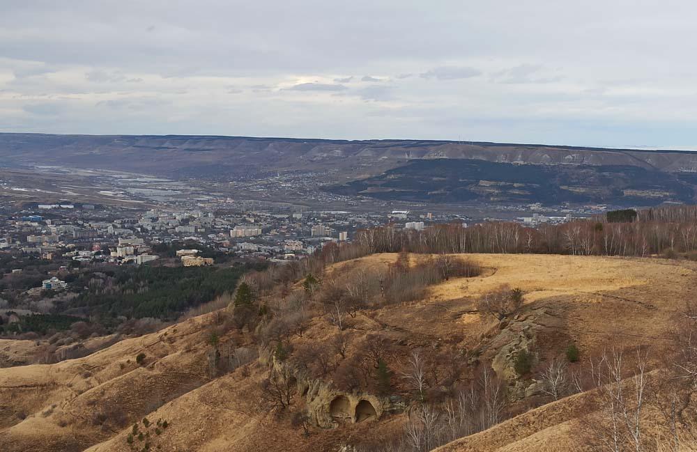 Вид на пещеры