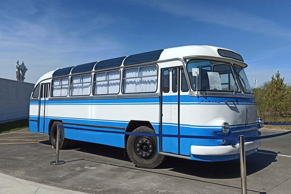 Парк покорителей космоса. Автобус ЛАЗ-695Б
