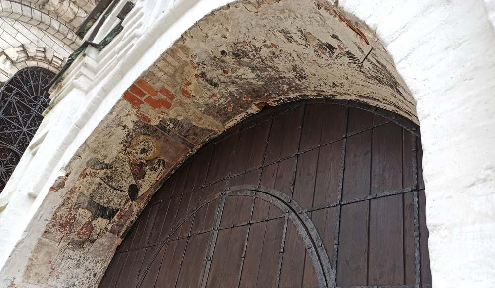 древние Святые врата
