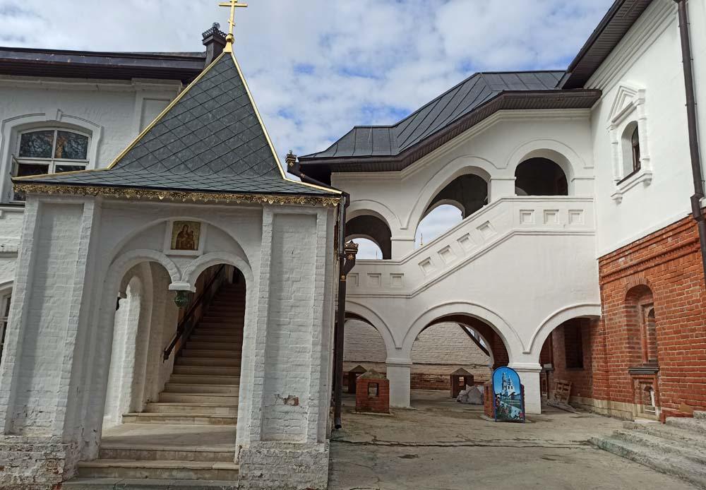 Палаты игумена