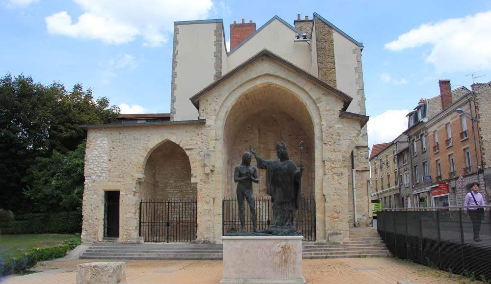 Памятник Хлодвигу и св. Реми