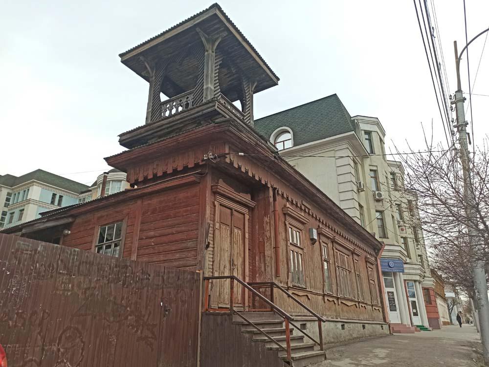 Деревянный дом на улице Свободы