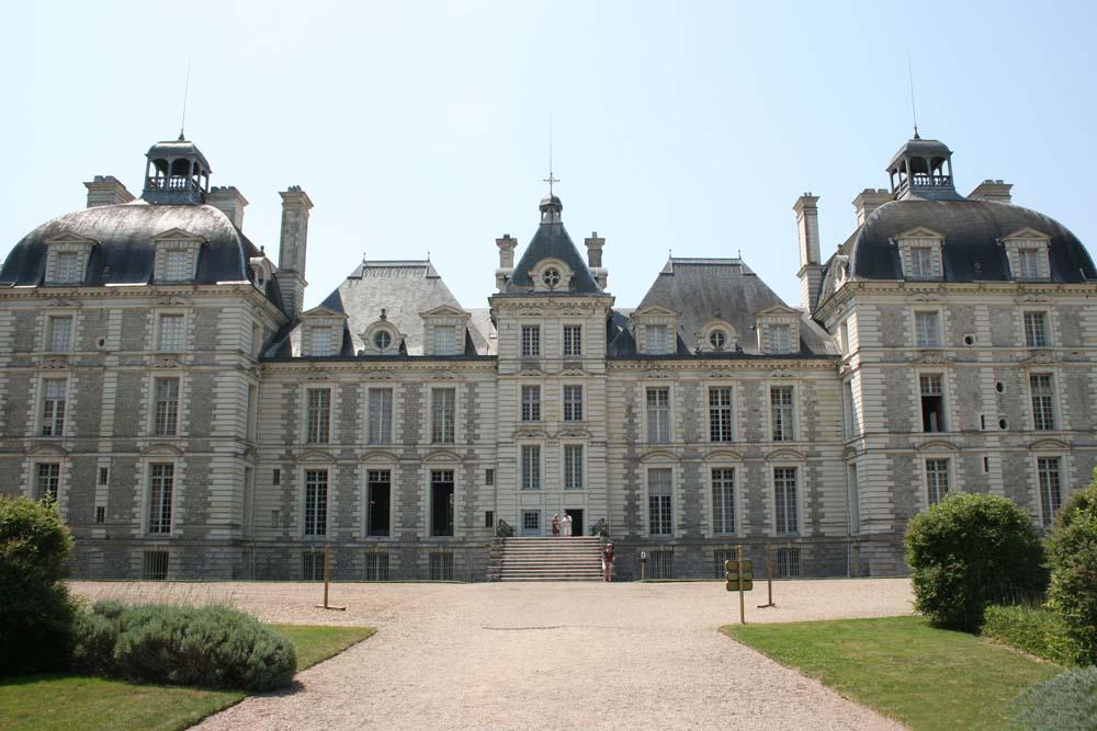 Замок Шеверни и прогулка по городу