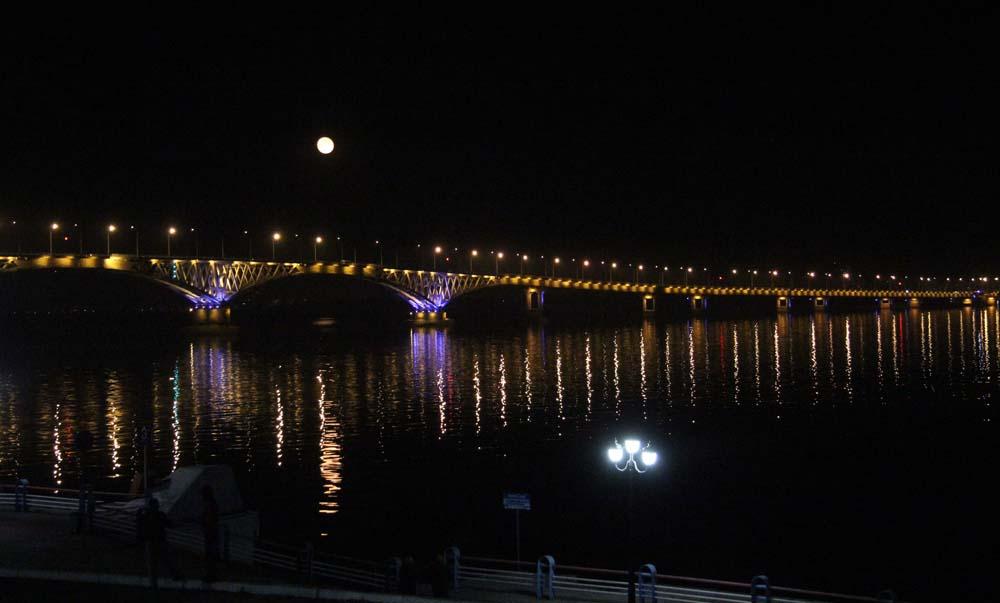 Саратовский мост с подсветкой