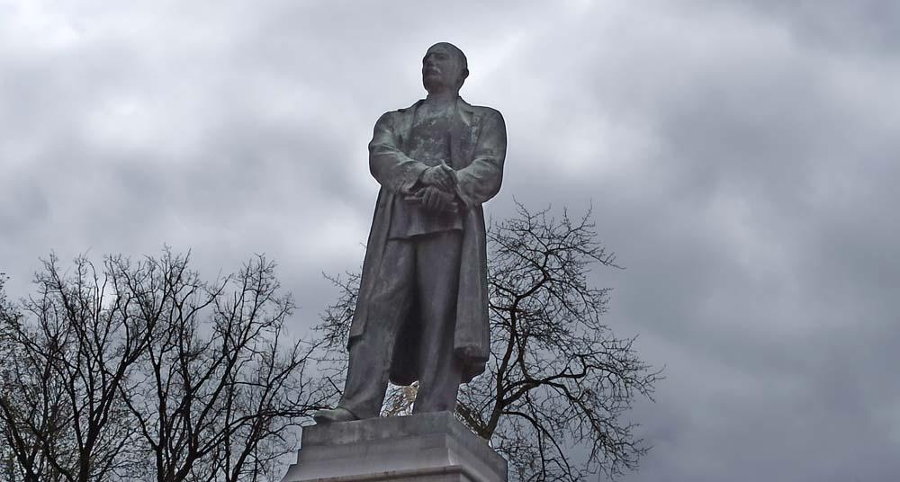 Памятник Вересаеву
