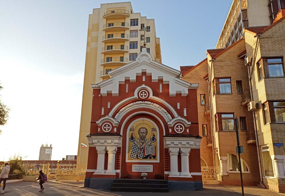 Въездные ворота монастыря