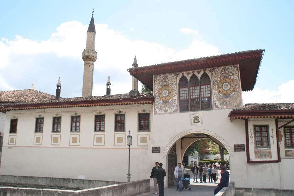 Ворота ханского дворца