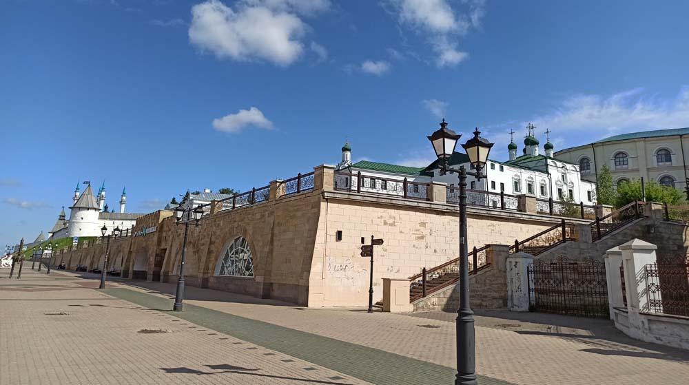 метро Кремлевская