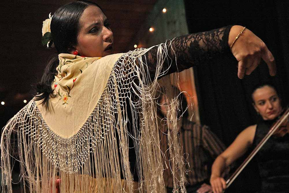 Топ-3 мест, где посмотреть фламенко в Севилье