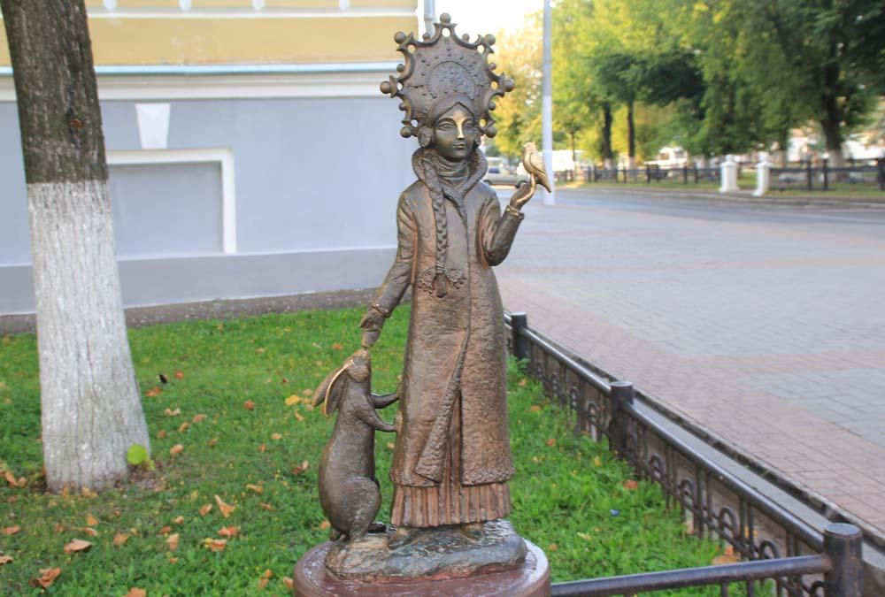 Памятник Снегурочке