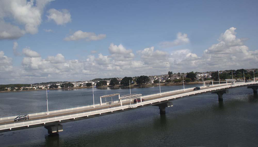 Лорьян. Вид на мост Инд