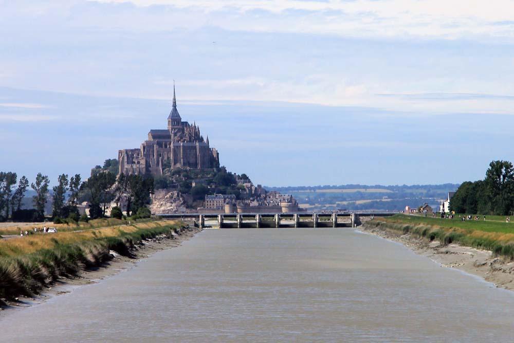Мост к Мон-Сен-Мишель