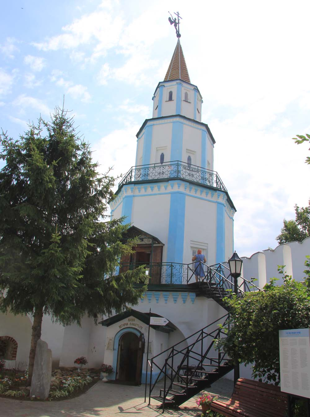 Башня монастыря