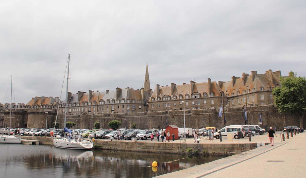 Сен-Мало. Вид на старый город