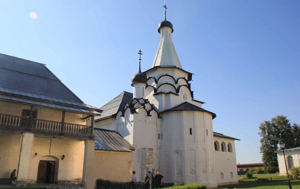 Трапезная Успенская церковь