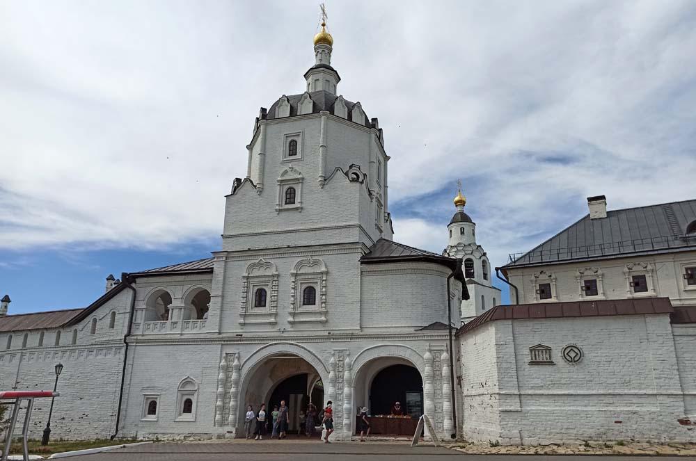 Вознесенская надвратная церковь