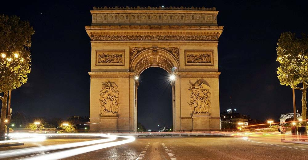 Триумфальная арка в Париже. Как не испортить посещение