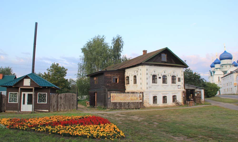 Дом Калашниковых