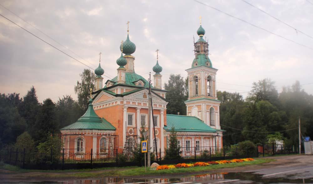 церковь Димитрия царевича на поле