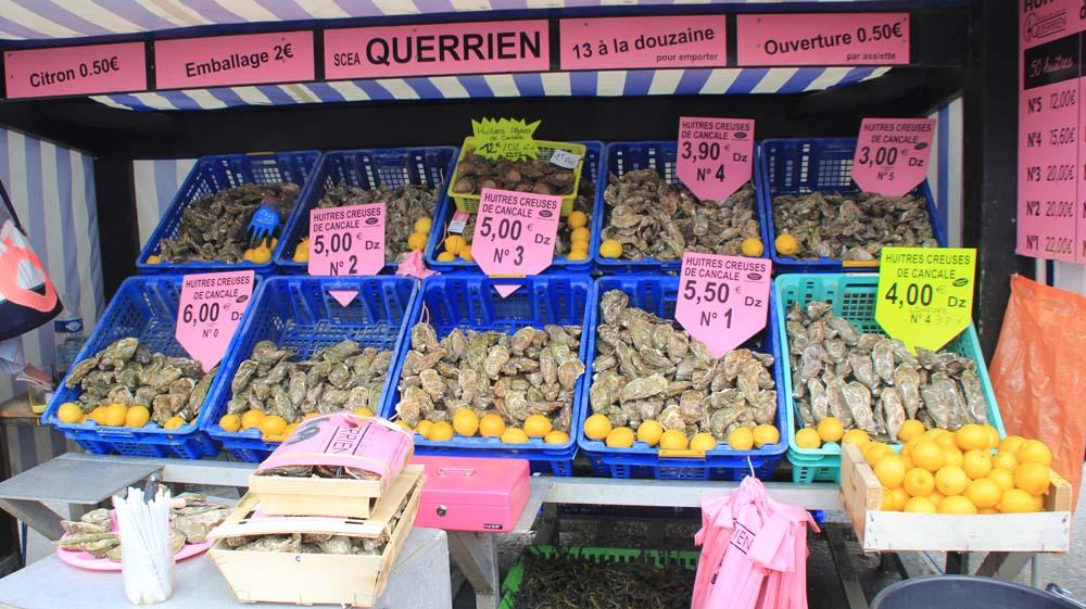 устрицы на рынке Канкаля