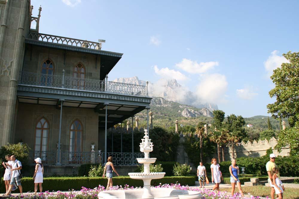Вид из Воронцовского дворца